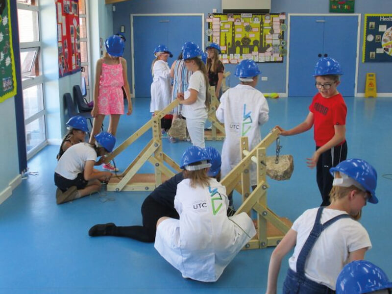 Kirton Primary School Children Throw Themselves Into Medieval Lincoln UTC Challenge